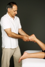 Integrative massage - weighing the leg