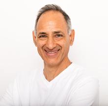 אבי בחט טיפול בכאבי גב - תל אביב
